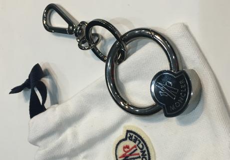 Porte clé Moncler 1
