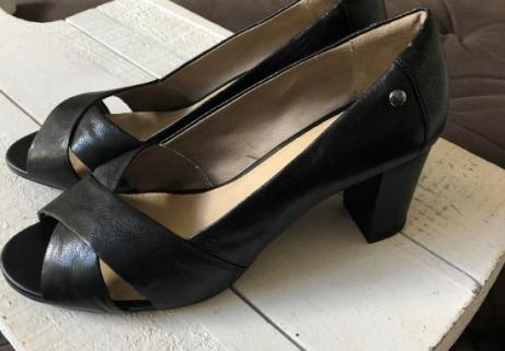 Chaussures HUSH Puppies 40 neuve cuirs 1