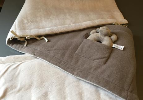 Mouton petit et grand quaxet tour de lit quax réversible avec hochet 4