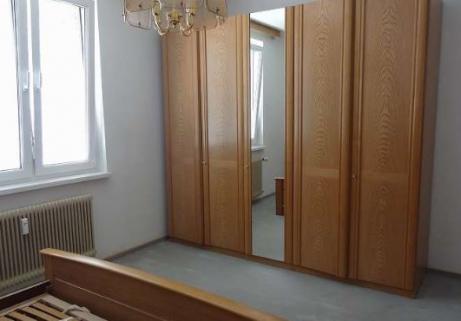 Chambre, lit, commode 4