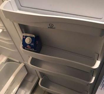 frigo Indesit + congélateur 2