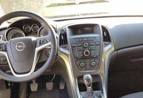 Opel Astra ST 1.7 CDTI 4