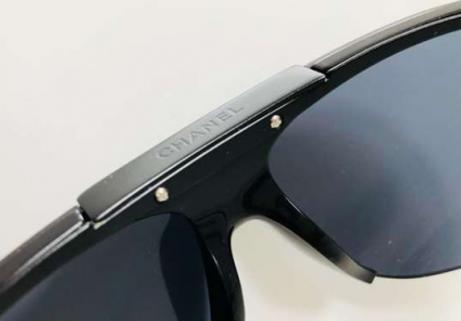 CHANEL lunettes de soleil Ray-Ban 2