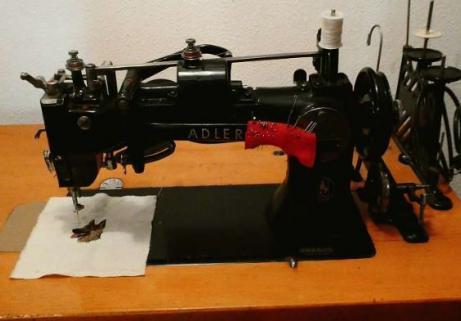 Machine à coudre Adler 2
