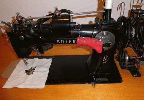 Machine à coudre Adler 3