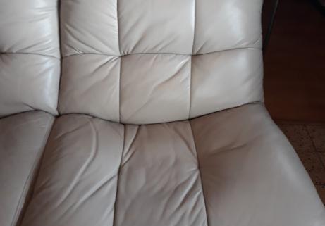 divan cuir 3 places,teinte gris clair 5