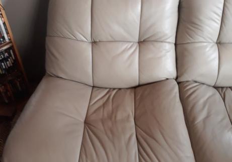 divan cuir 3 places,teinte gris clair 3