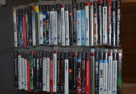 Playstation 3 Slim avec nombreux jeux et personnages 3