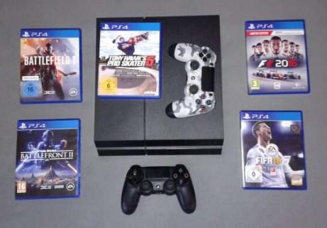 Playstation 4 + 2 manettes, câbles et 5 jeux. 1