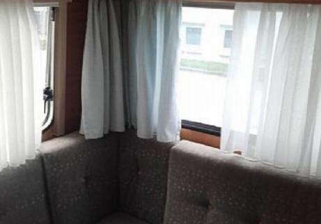 Caravane Dethleffs - Camper 460 2