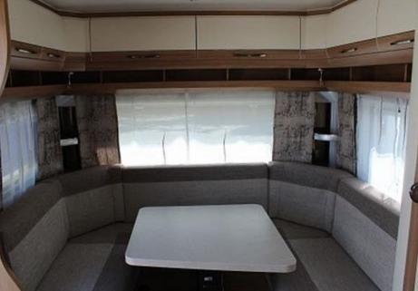Caravane Hobby - De Luxe 455 UF 4