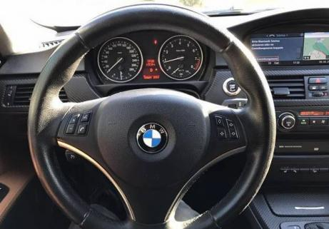 BMW 330xi Coupe 3