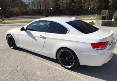 BMW 330xi Coupe 5
