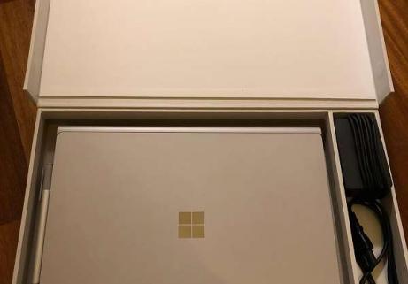 Microsoft Surface Book i7, SSD de 256 Go, 8 Go de RAM, NOUVEAU 2