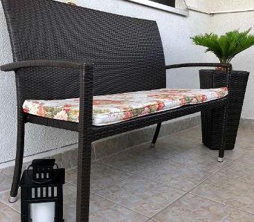 Set table et chaises en rotin 2