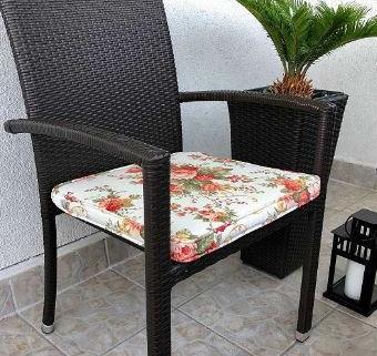 Set table et chaises en rotin 3