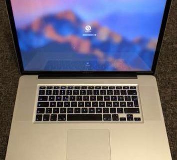 MacBook Pro 17' 2
