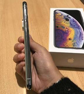 iPhone XS 64gb silver 4