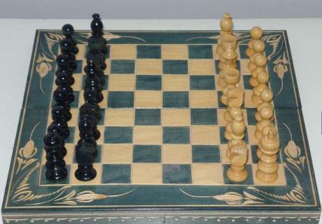 Jeux d'échec fabriqué à la main 1