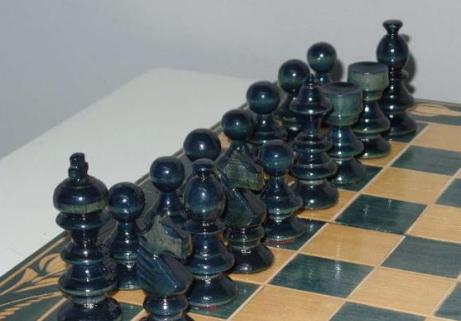 Jeux d'échec fabriqué à la main 4