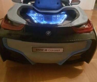 voiture électrique BMW i8 3