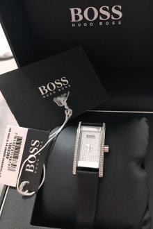 Montre dame Hugo Boss neuve