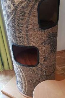 Arbre à chat en bois très stable