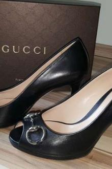 GUCCI peep toes  38