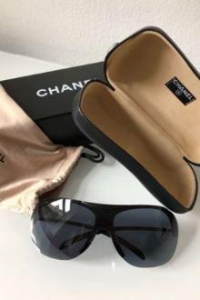 CHANEL lunettes de soleil Ray-Ban