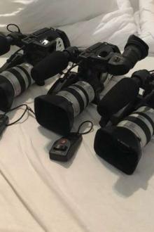 3 caméscopes professionnels Canon XL-1S MiniDV
