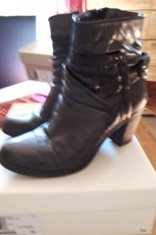 Bottines noires MJus pointure 39